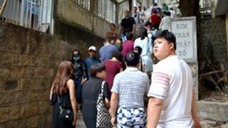 """Khách Trung Quốc công khai giăng băng rôn """"lạ"""" ở Việt Nam"""