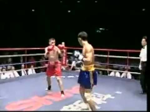 Sanda vs Muay Thai: Zhao Bao Jun vs Kurt Finlayson