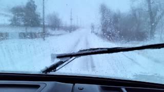 Урок вождения трака в снежную погоду в горах.