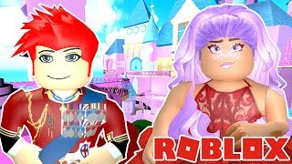 MEETING A BEAUTIFUL QUEEN AT ROYALE HIGH ON ROBLOX!