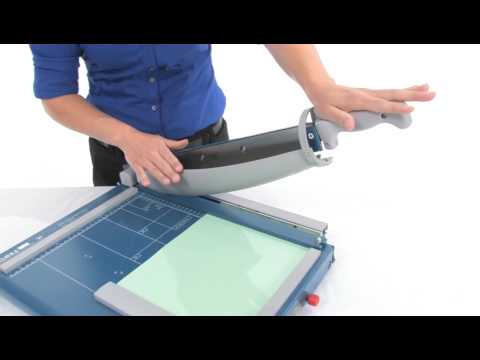 how to use dahle paper cutter