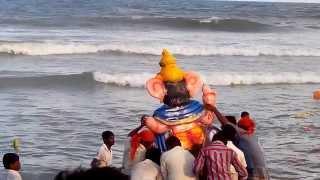 Ganesh chaturthi- Dropping of ganesh idols in Marina Beach