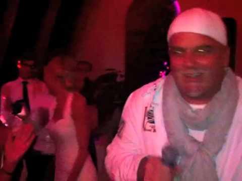 DJ Ötzi crasht eine Hochzeit und überrascht ALLE