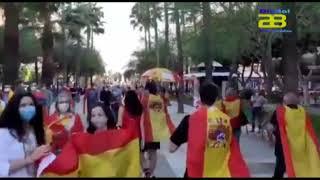 Almerienses protestan en la Rambla contra la gestión del  Gobierno de Pedro Sánchez