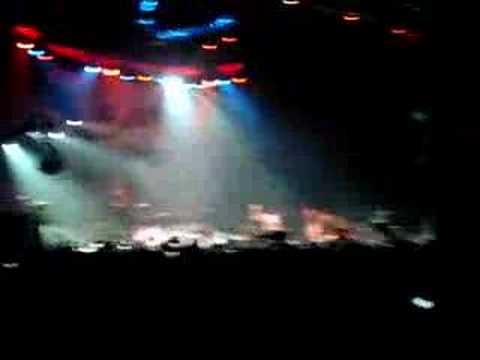 Avenged Sevenfold- Critical Acclaim (Live in Long Beach)