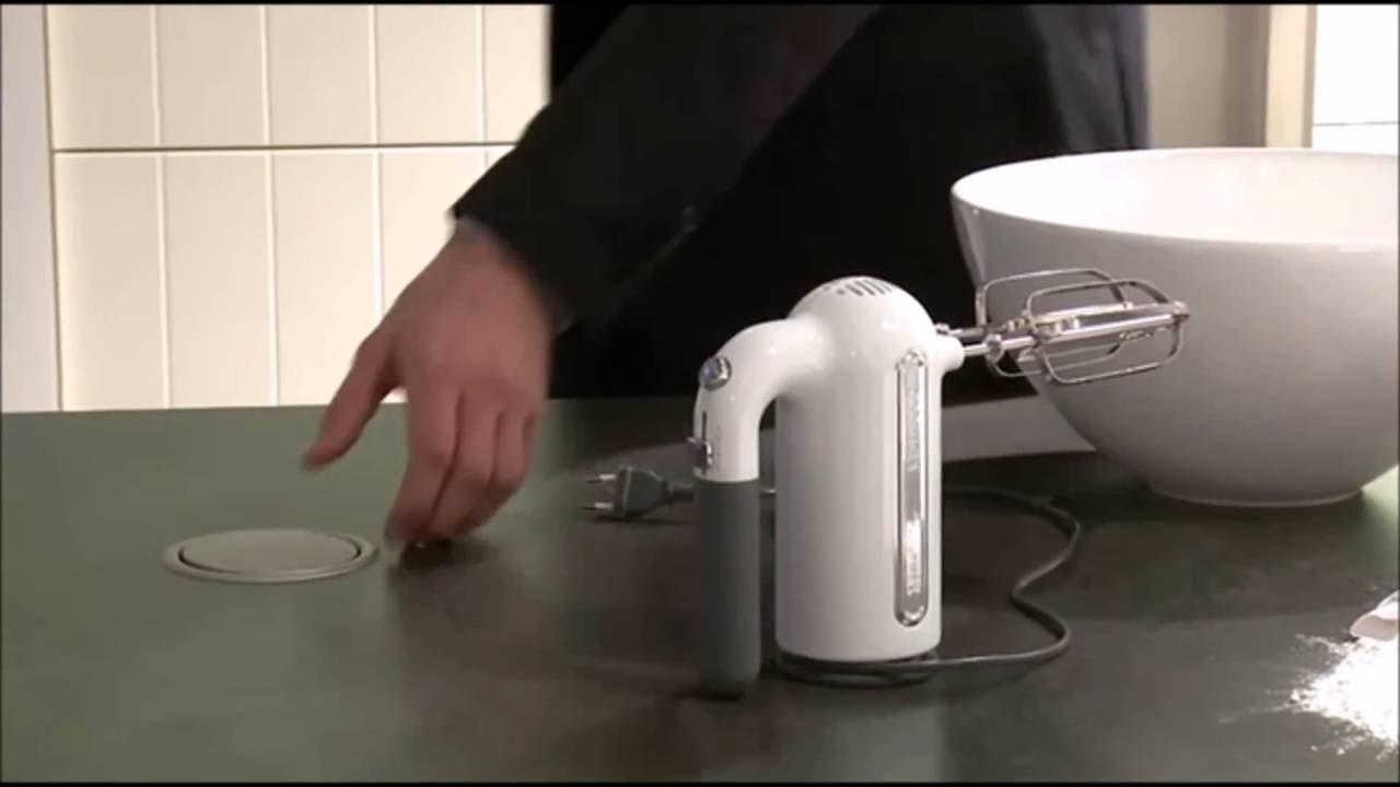 Helle kitchen soluzioni intelligenti per prese di corrente - Prese a scomparsa cucina ...