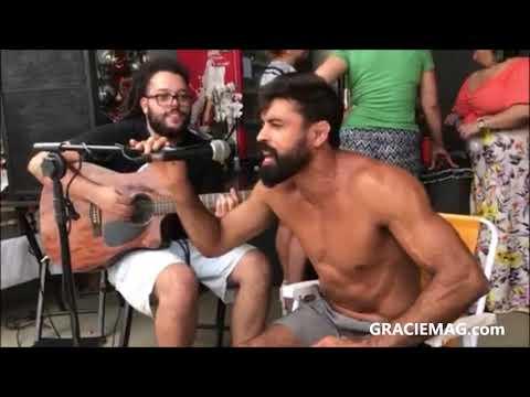 "Professor Mario Reis canta ""O Rap do Jiu-Jitsu"""