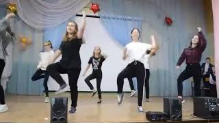 Девочки взорвали зал! Очень классный танец на Новый Год