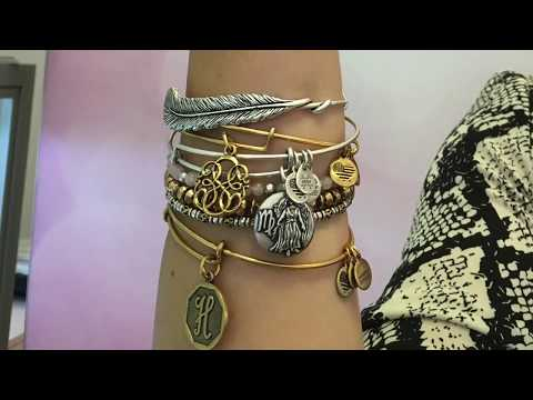 How to Stack Alex and Ani Bracelet Bangles | Styling Sessions at Fabulous Fashion Week
