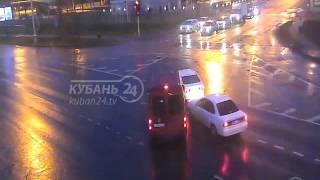 видео Наезд на препятствие и оставление места дтп. Неумышленный отъезд с места аварии. Какое наказание положено за оставление места ДТП