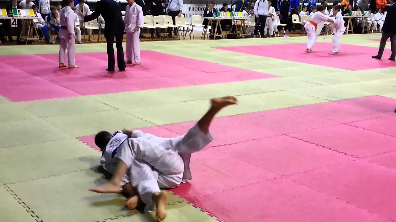 Decasport torino judo 1 samurai 2016 youtube for Samurai torino