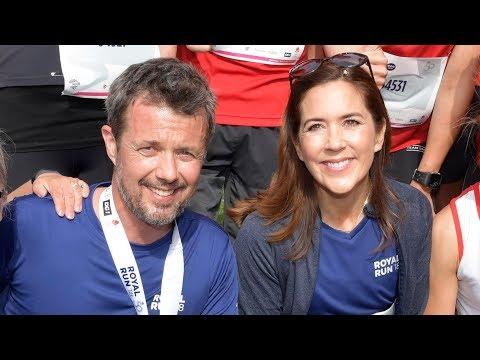 Kronprinsparret i kærligt parløb til Royal Run i Odense