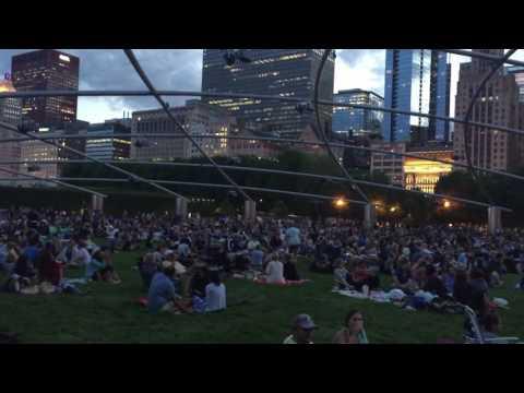 Free concert at millennium park Chicago atmosphere