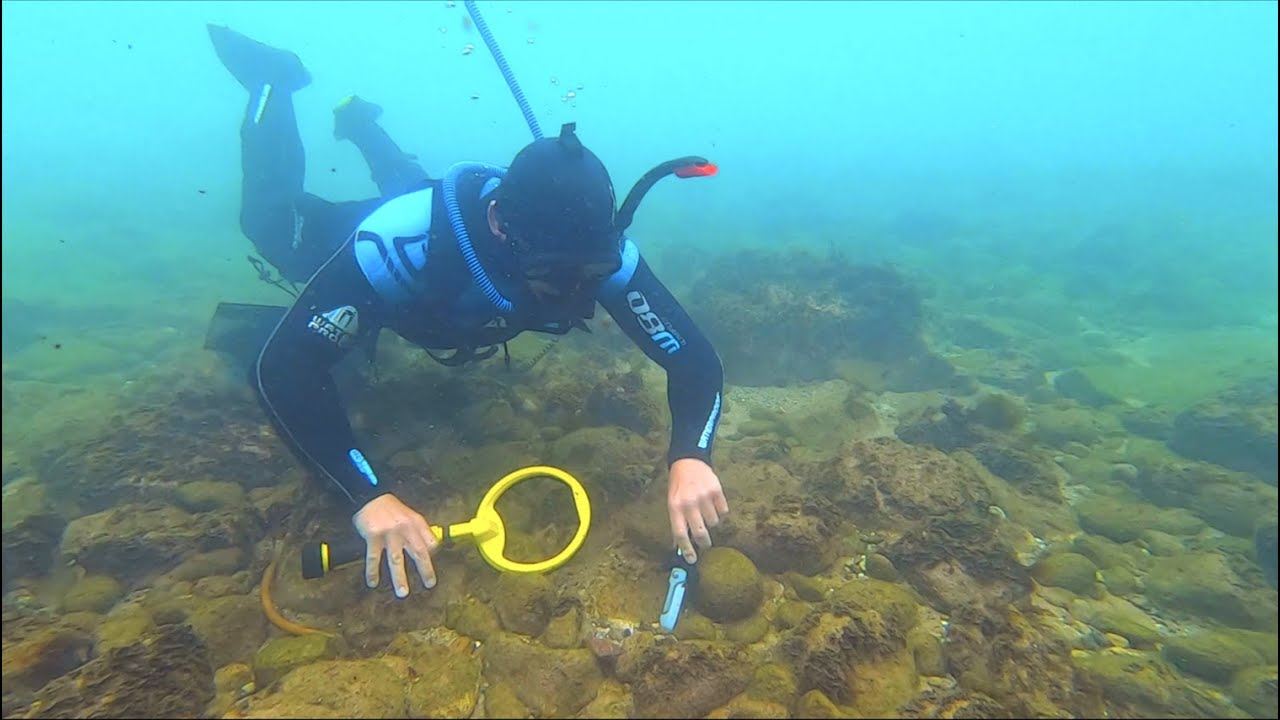 Search for DECEASED Owners GOLD while Underwater Metal Detecting (Returned to Grandson)