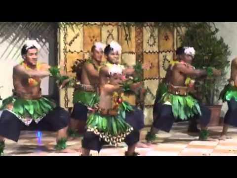 Tonga 2015 - local show at Vakaloa Beach