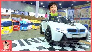 타요 버스 미끄럼틀 꾸러기 유니 자동차 운전 놀이! 키즈카페 운전놀이 장난감 아우디 BMW 타기 놀이 핑거송 Kids Car Toys | 말이야와아이들 MariAndKids