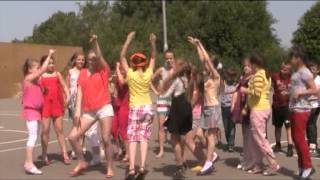 Танцевальный Флэш Моб, 04 06 2013  3 классы