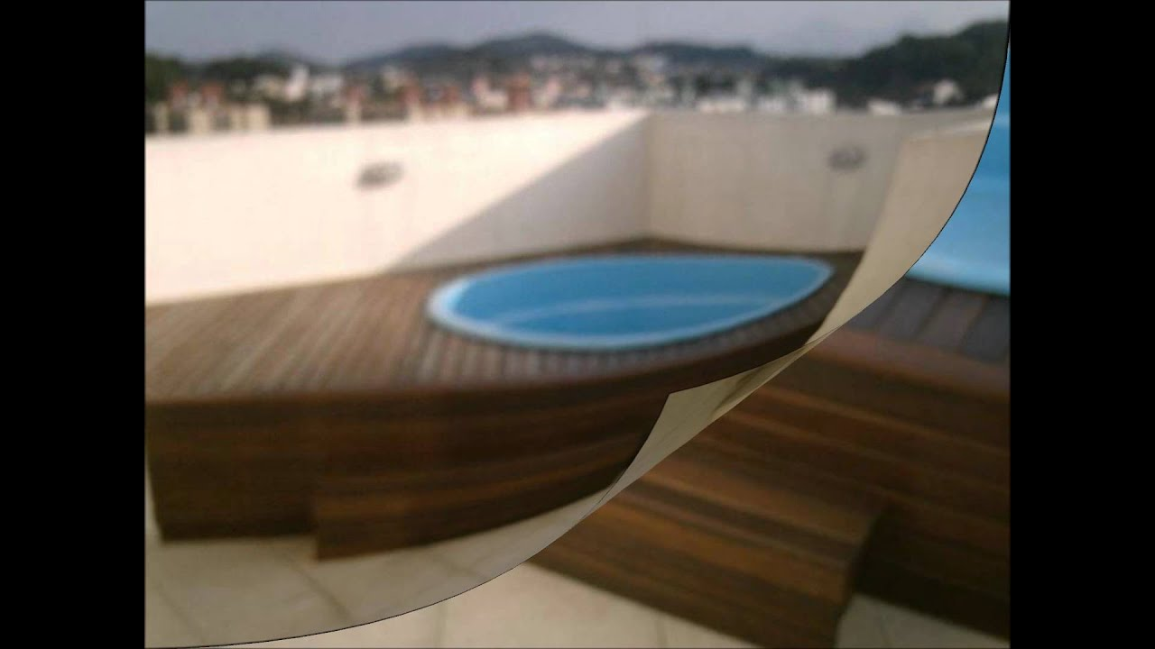 Piscinas com deck de madeira youtube for Piscinas enterradas