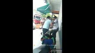 Lelaki Cina Gaduh Dengan Guard Sebab Moto Kena Clamp