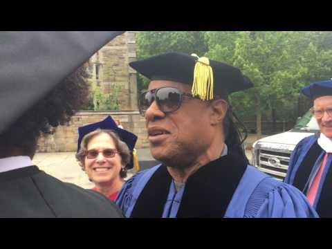 Stevie Wonder receives honorary degree at Yale