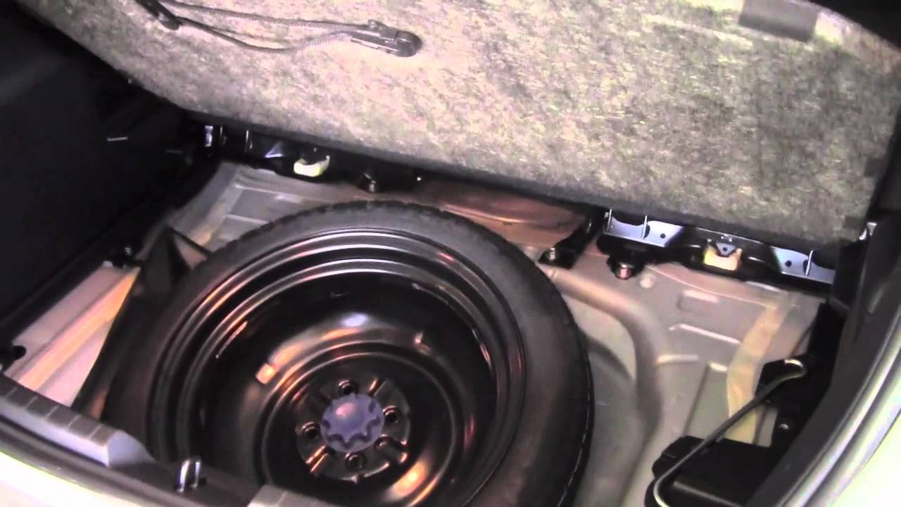 2012 Toyota Yaris Jack And Toolkit How To By