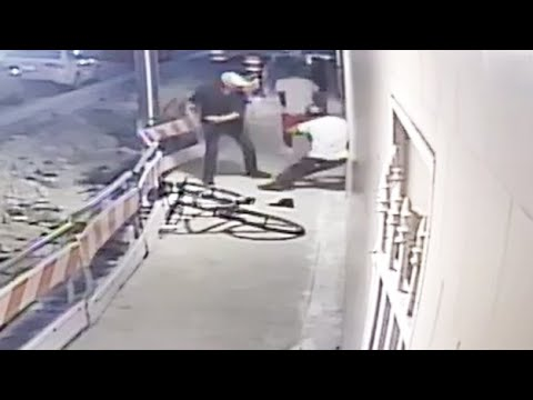 Robbery On West Flagler Street Caught On Camera