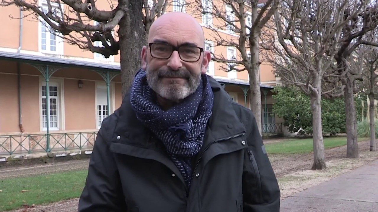Youtube Video : Philippe Bouyssou, maire d'Ivry, s'exprime sur la défense de l'hôpital Charles-Foix