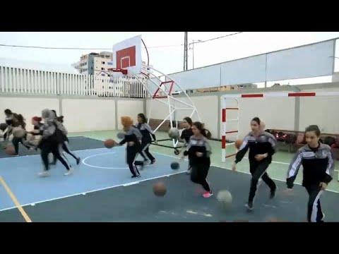 شاهد: فلسطينيات في غزة يقبلن بالعشرات على لعبة كرة السلة …  - 14:54-2019 / 4 / 20