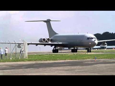 VC10 final landing at st mawgan/ newquay airport