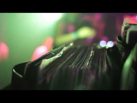 Daniel Wang w/ Davjazz & Wrecka Spinnazz Club @Batofar - Club Lonely 04/01/13 (realisation nique.co)