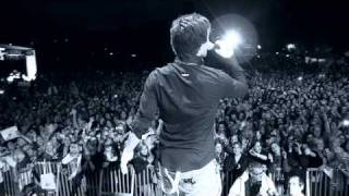 Eric Saade - It's Gonna Rain (official LIVE Video) thumbnail