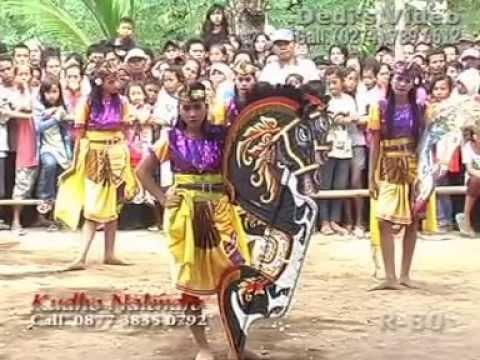 Jathilan Kudho Nalendro Putri Traditional Javanisme Art Dance