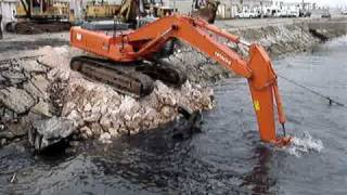 Excavator VS Ship propeller