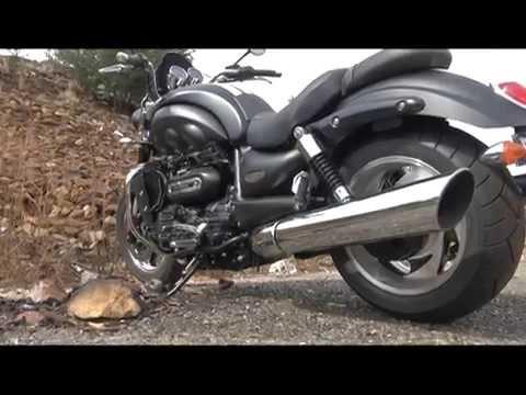 Ducati Diavel vs. Triumph Rocket 3