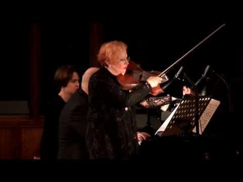 Arpeggione Sonata by F. Schubert - Rivka Golani and Michael Hampton