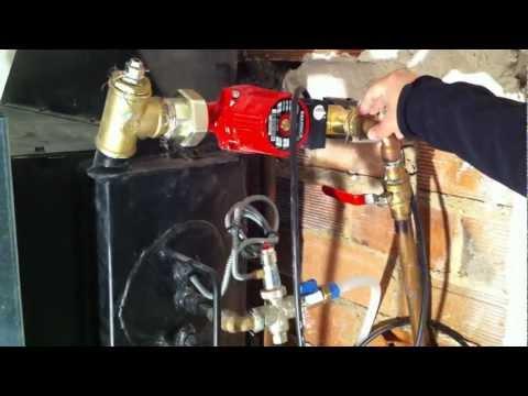 Sistema de estufa de le a para calentar toda la casa doovi - Como instalar una chimenea de lena ...