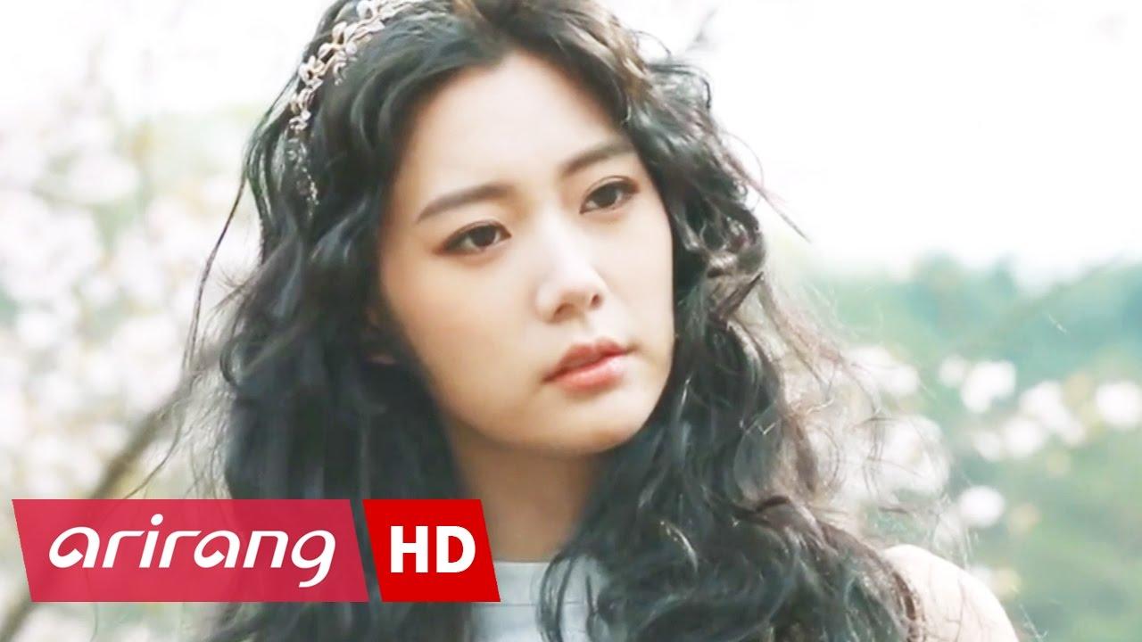 Showbiz Korea _ CLARA(클라라)'s Chinese Movie 'SOME LIKE IT HOT is #1 on the Box Office'