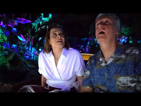 Sigourney Weaver & James Cameron react to Na'vi River Journey ride in Pandora at Walt Disney World