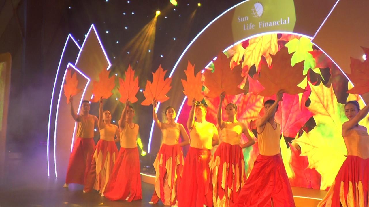 [ HI TOP MEDIA ] Sân khấu – Màn hình LED với phần trình diễn Múa đạo cụ