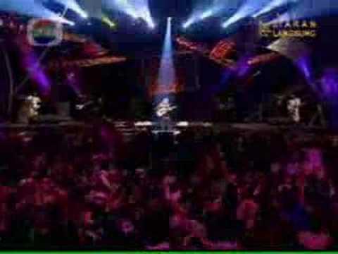 iwan fals - Air Mata Api (Live)
