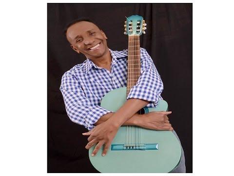 Ama música de Moacyr Camargo