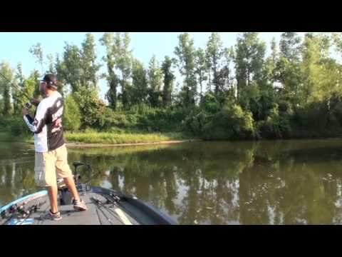 2013 FLW TV | Forrest Wood Cup on the Red River