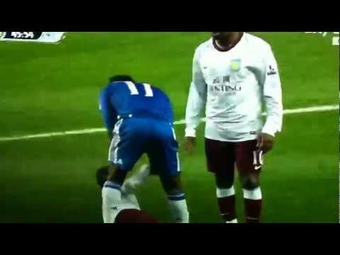 Drogba Jokes After Foul(SI INGROPPA L'AVVERSARIO)