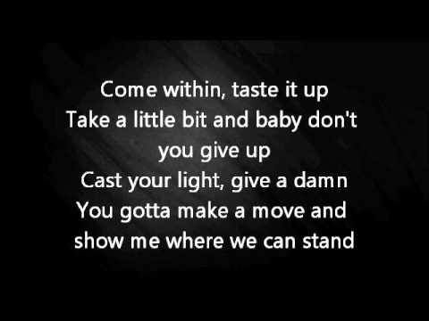 AviciiLay me down lyrics