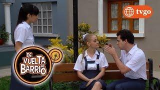 ¡Sarita se pone celosa y le tira una cachetada a Julio! - De Vuelta al Barrio 01/08/2017