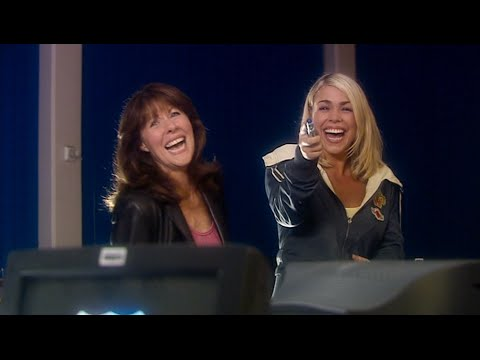 Doctor Who - School Reunion - Rose and Sarah Jane talk about The Doctor