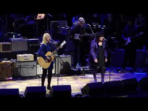 Sarge - Ann & Nancy Wilson Heart Finally Back On Stage