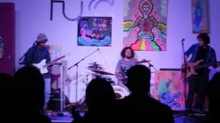 Clavos sin cabeza (Tolueno - Blues del Faro)