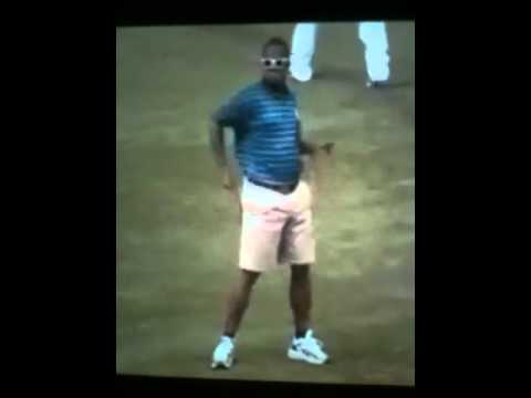 Kid Dances Like Michael Jackson At Basketball Game