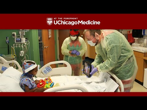 Comer Children's Hospital brings holiday magic to sick kids